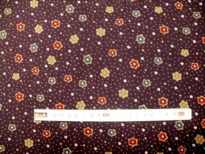 Látky Patchwork - Kytka na fialové