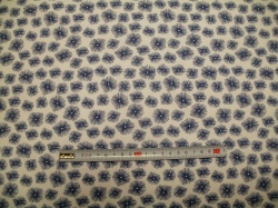 Látky - vzor 19-370 Avalana - modré květy na bílé -