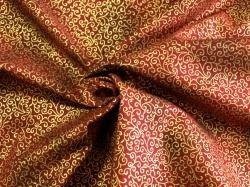 Látky Patchwork - Ornamenty na vínově červené - zlatotisk