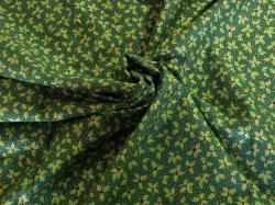 Látky Patchwork - Lístky cesmíny na zeleném podkladu