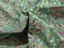 Látky Patchwork - Geometrické vzory na zeleném podkladu