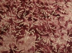 Látky Patchwork - Travina na fialovém podkladu