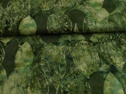 Látky Patchwork - Listy na brčálově zeleném podkladu