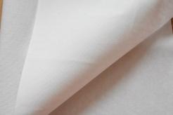 611401 Ronar fix - lux - jednostranně lepící  - jednostranně lepící, přižehlovací vrstva,20 g/m2 pad pasta