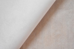 611404 Novopast - jednostranně lepící  - jednostranně lepící, přižehlovací vrstva,18 g/m2 pes pasta
