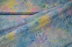 3358-718 Batika - květiny na světle modrém podkladu -