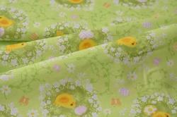 320-009 Kuřátka s vajíčky na sv. zeleném podkladu -