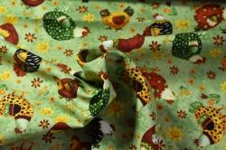 Látky Patchwork - Slepičky na zeleném podkladu