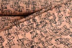 17-304 Písmo na sv. oranžové - Letní teplákovina smyčková