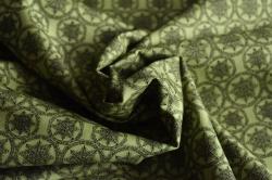 Látky Patchwork - Vločky na zeleném podkladu