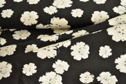 Látky Patchwork - Květy na černém podkladu