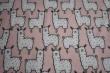 Látky Patchwork - Lamy na světle růžovém podkladu