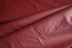 0199-015 Koženka vínově červená -