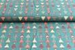Látky Patchwork - Vánoční stromečky na zeleném podkladu