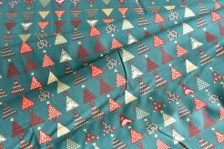 131505-5031 Vánoční stromečky na zeleném podkladu -