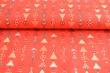 Látky Patchwork - Vánoční stromečky na červeném podkladu